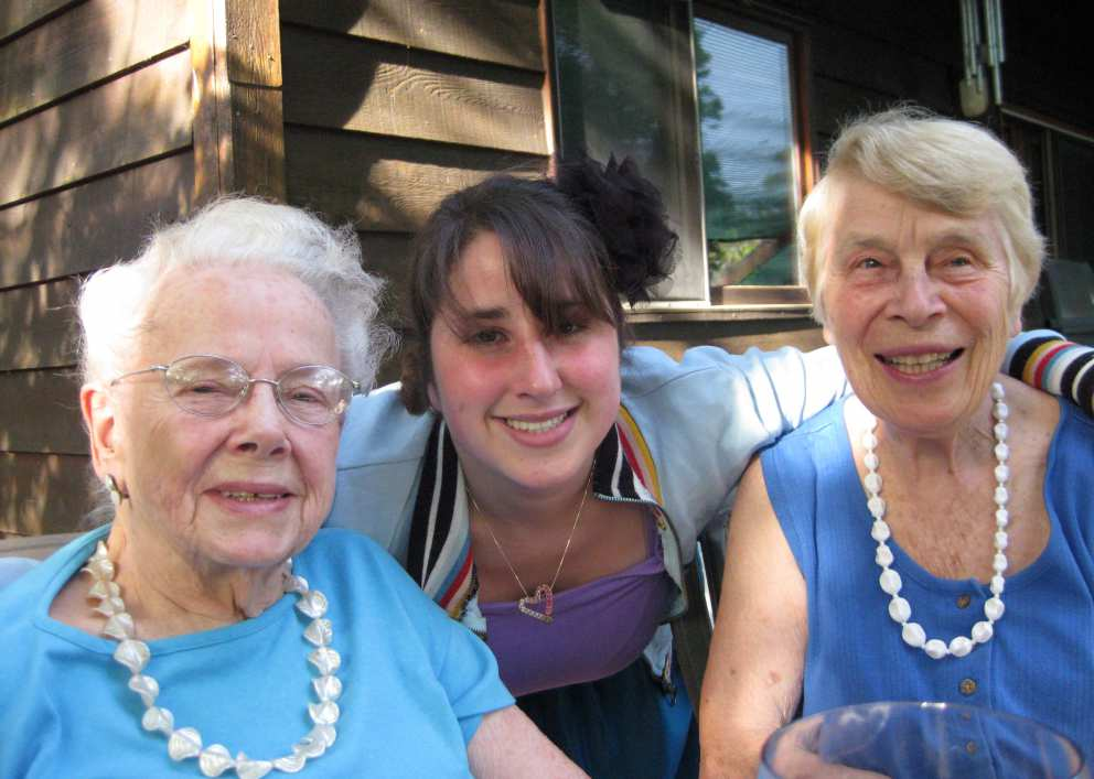 Ruth, Becca, Nina Furniss (Jennifer's mother)