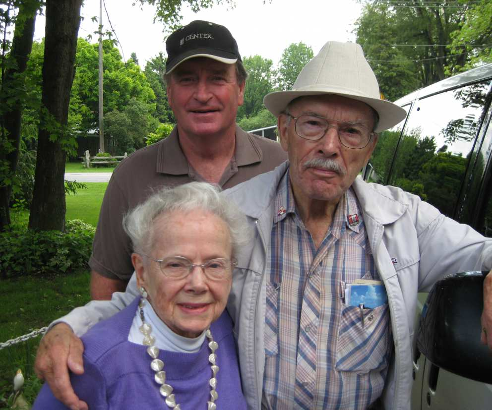 Ruth with brother Howard and Bob Gilchrist.